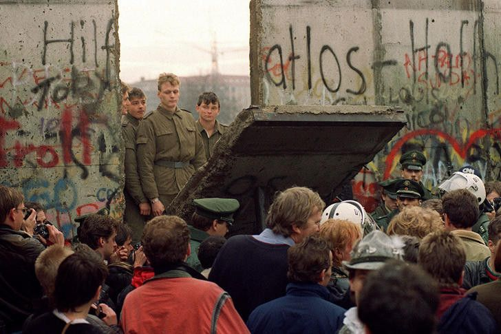 End of the Berlin World 1989